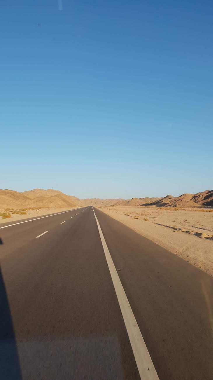 A caminho de Luxor - Egito © Viaje Comigo