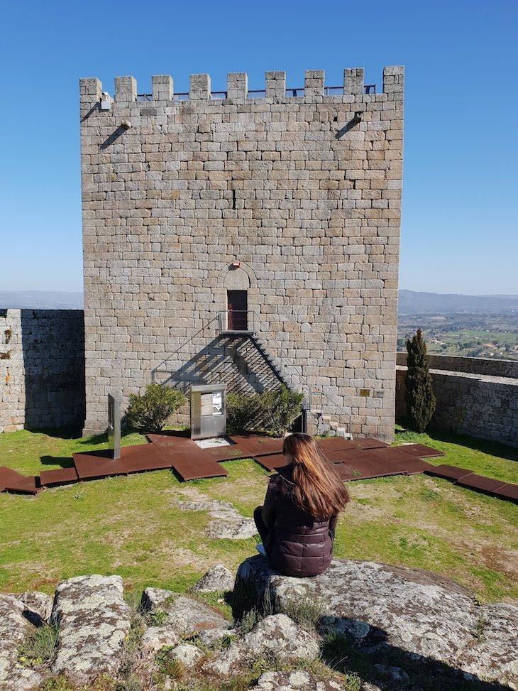 Susana Ribeiro no Castelo Celorico da Beira © Viaje Comigo