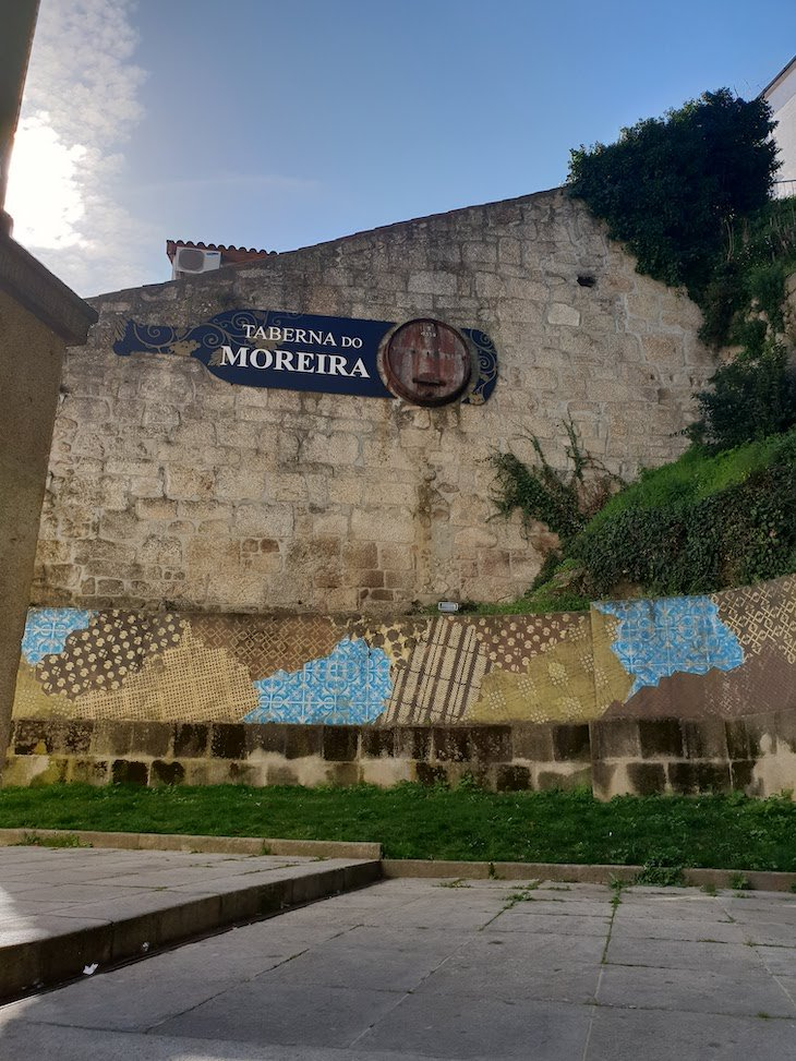Add Fuel Arte Urbana nas ruas da Covilha, Portugal © Viaje Comigo.jpg