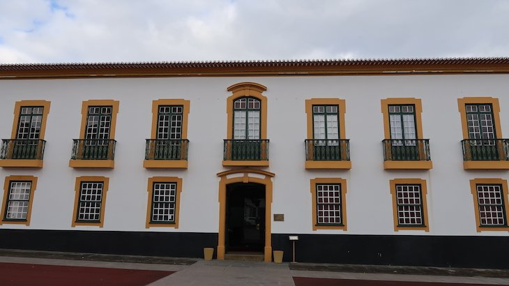 Palácio dos Capitães Generais - Ilha Terceira - Açores © Viaje Comigo