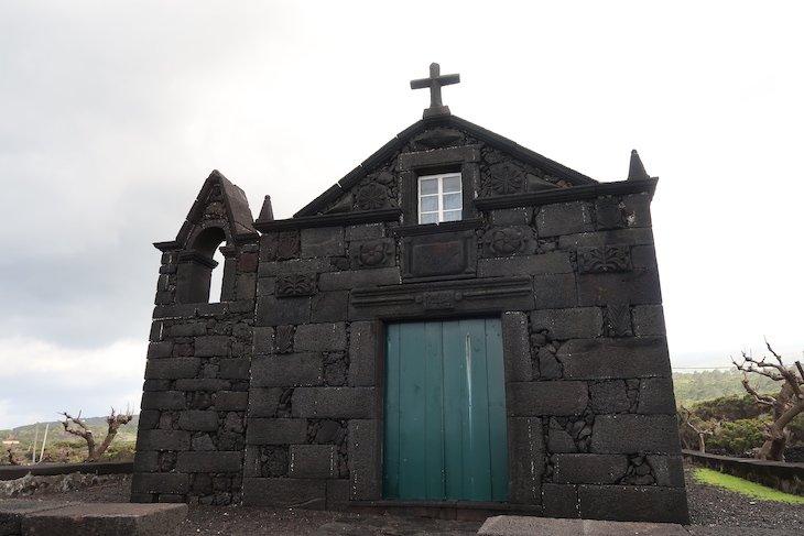 Igreja de Cabrito - Ilha do Pico - Açores © Viaje Comigo