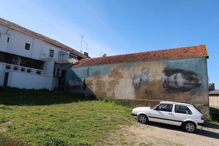 "Bosoletti ""Abandono"" - Roteiro de Arte Urbana - Estarreja © Viaje Comigo"