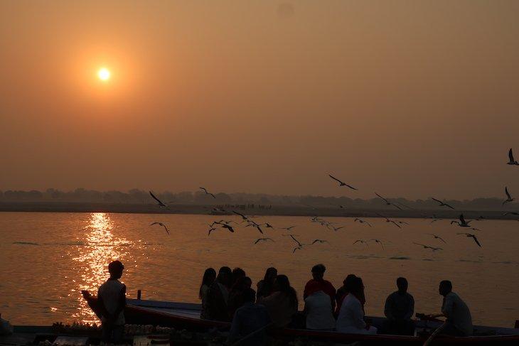 Nascer do sol em Varanasi - Índia © Viaje Comigo