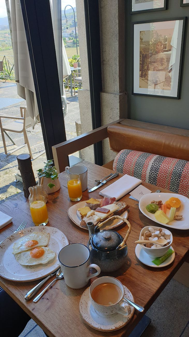 Pequeno-almoço do Six Senses Douro Valley - Lamego - Portugal © Viaje Comigo
