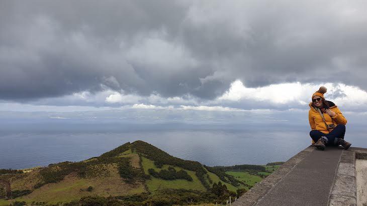 São Jorge ao fundo - vista da Ilha do Pico - Açores © Viaje Comigo