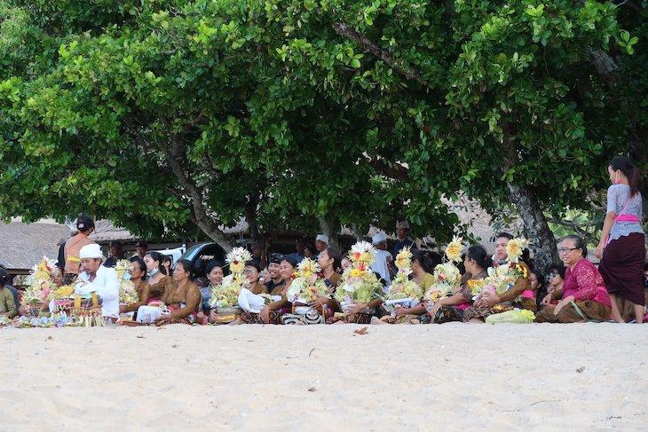 Cerimónia na praia - Bali - Indonésia © Viaje Comigo