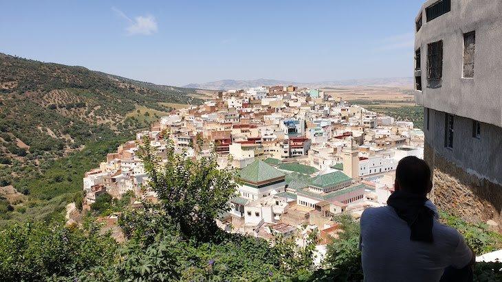 Vista sobre a cidade sagrada de Moulay Idriss, Marrocos © Viaje Comigo