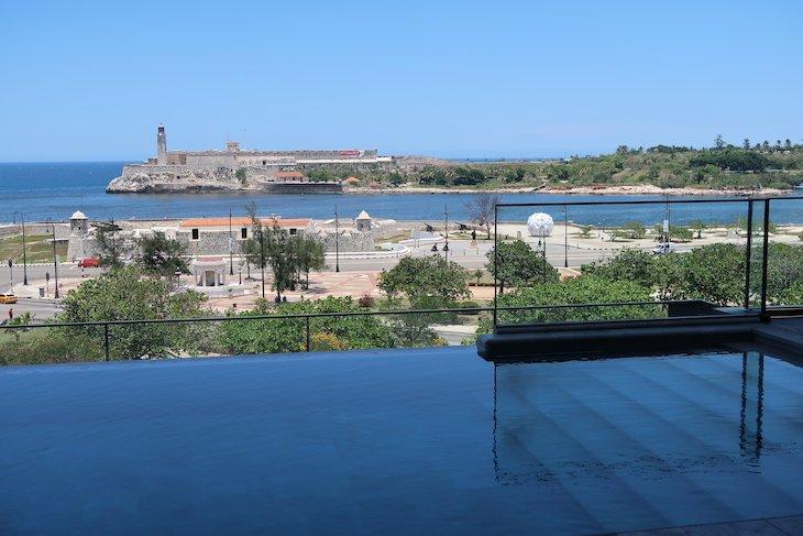Infinity pool do Iberostar Grand Packard Havana - Cuba © Viaje Comigo