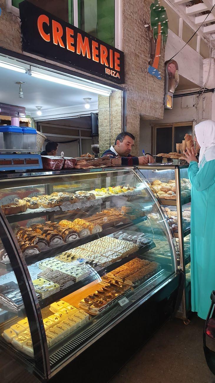 Mercado no centro de Ifrane - Marrocos © Viaje Comigo