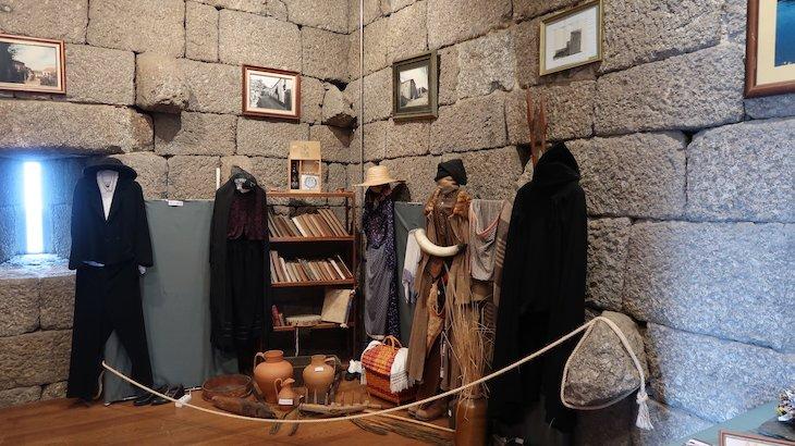 Expo na Torre do Castelo de Linhares da Beira - Aldeias Histórica de Portugal © Viaje Comigo