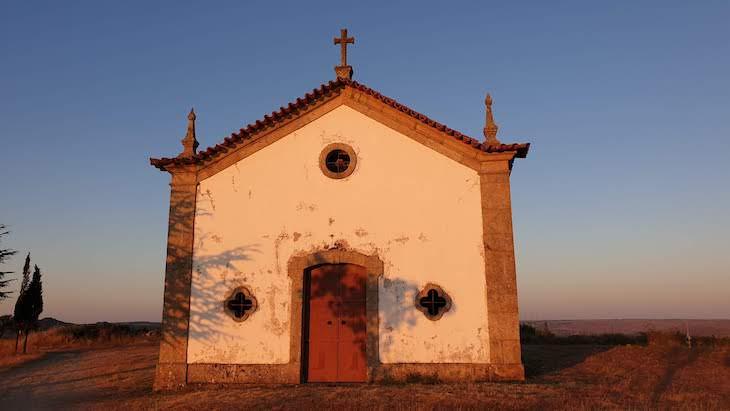 Capela de Santo Antão - aldeia chamada Aldeia, Pinhel - Portugal © Viaje Comigo