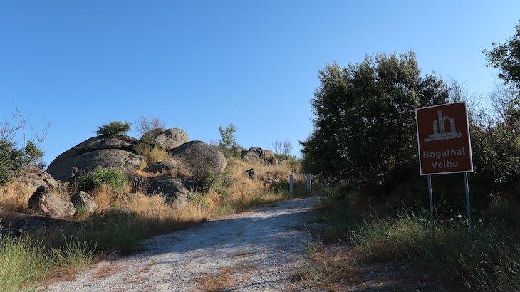 Informação do Bogalhal de Velho - Pinhel - Portugal © Viaje Comigo