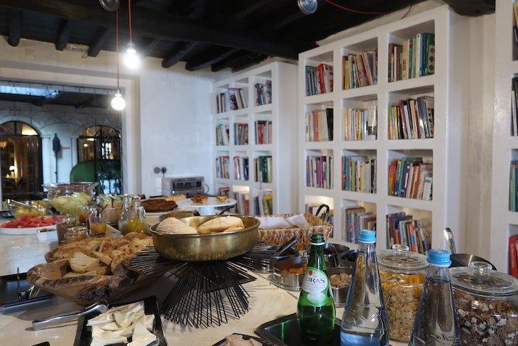 Pequeno-almoço do The Literary Man Óbidos Hotel - Portugal © Viaje Comigo