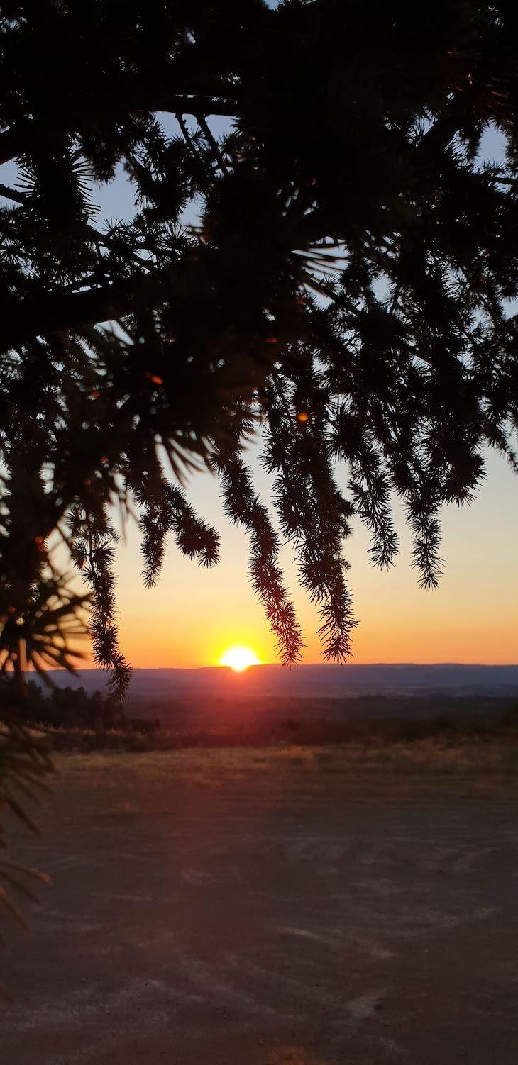 Pôr do sol na aldeia abandona Aldeia - Pinhel - Guarda - Portugal © Viaje Comigo