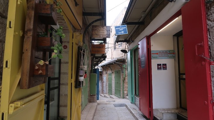 Fauzi Azar by Abraham Hostels - Nazare - Israel © Viaje Comigo