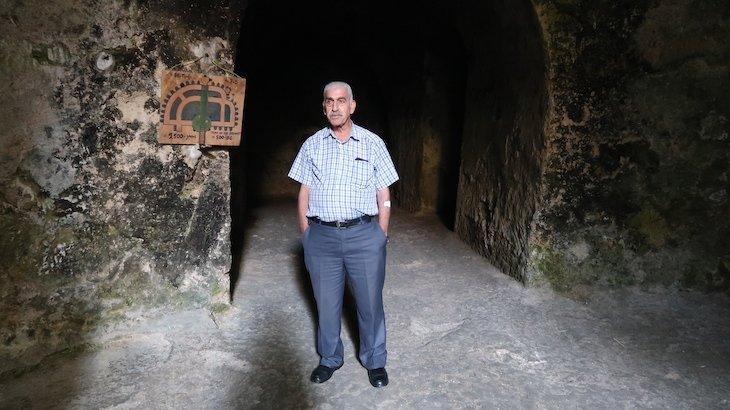 Tamil, guia das Tumbas dos Profetas - Monte das Oliveiras - Jerusalem - Israel © Viaje Comigo