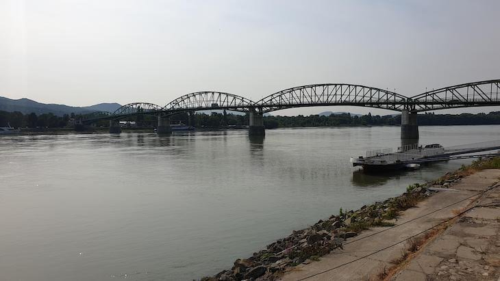 Ponte de Esztergom - Hungria © Viaje Comigo