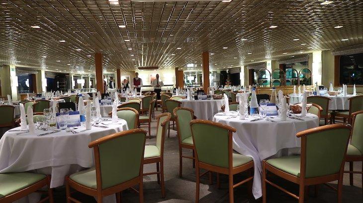 Sala do restaurante do Navio Beethoven CroisiEurope - cruzeiro Danúbio © Viaje Comigo