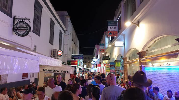 Ruas animadas de Albufeira - Algarve © Viaje Comigo