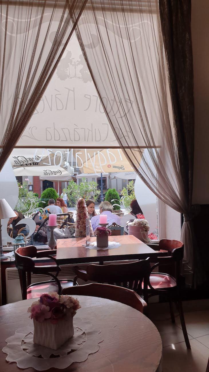 Café de Esztergom - Hungria © Viaje Comigo