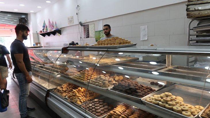 Pastelaria/Padaria Sanabel, Praça de Ramallah - Palestina © Viaje Comigo