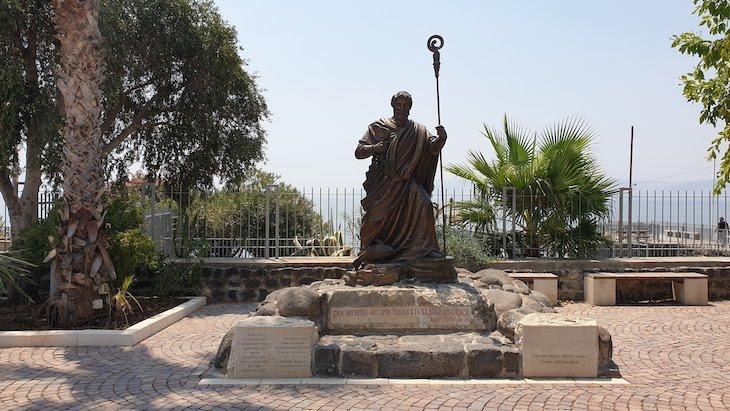 Estátua de S. Pedro em Capharnaum - Cidade de Jesus - Israel © Viaje Comigo