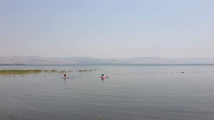 Nadar no Mar da Galileia - Israel © Viaje Comigo