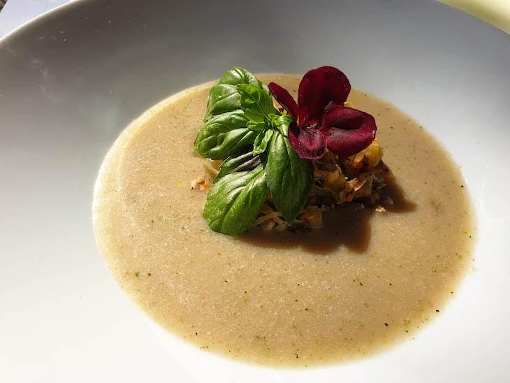 Sopa de castanha do Chef Hélio Loureiro na Festa de Trancoso - Aldeias Históricas de Portugal © Viaje Comigo