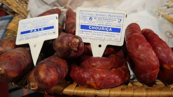 Venda de produtos regionais em Monsanto - Aldeias Históricas de Portugal © Viaje Comigo