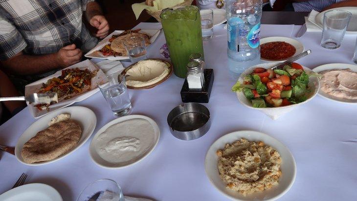 Restaurante Saint Charbel Tourism em Belém - Palestina © Viaje Comigo