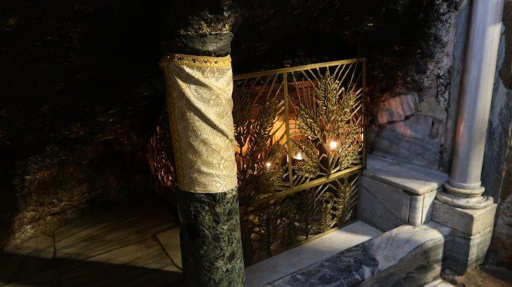 Gruta da Manjedoura na Basílica da Natividade - Belém - Palestina © Viaje Comigo