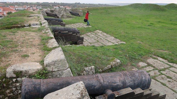 Entre canhões - Almeida - Aldeias Históricas de Portugal © Viaje Comigo