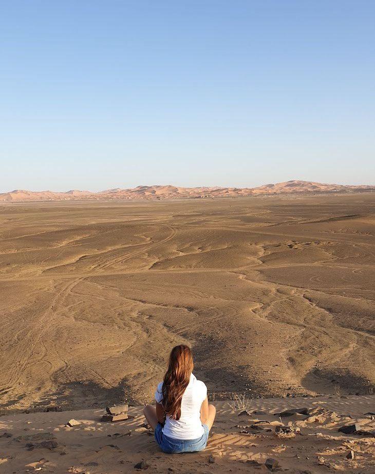 Dunas do deserto, ao longe - Marrocos © Viaje Comigo