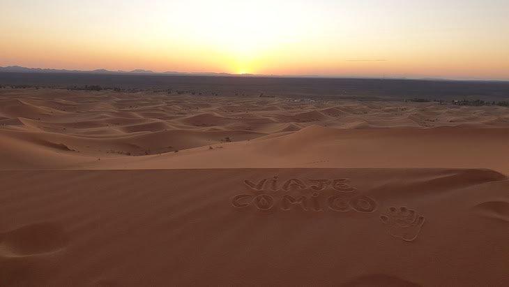 Vaje Comigo nas dunas de Erg Chebbi, Merzouga - Deserto Saara, Marrocos © Viaje Comigo