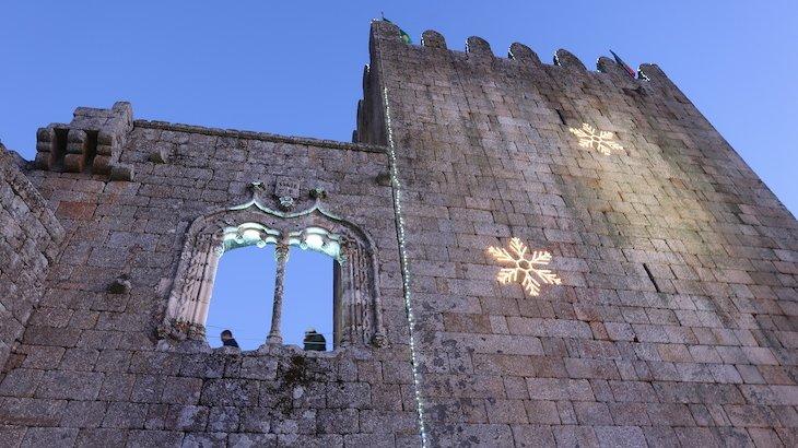 Janela manuelina no Castelo de Belmonte - Aldeias Históricas de Portugal © Viaje Comigo