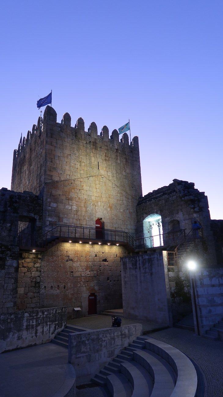 Castelo ao anoitecer - Belmonte - Aldeias Históricas de Portugal © Viaje Comigo