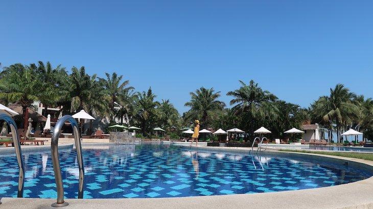 Piscina do Palm Garden Beach Resort & Spa, Hoi An - Vietname © Viaje Comigo
