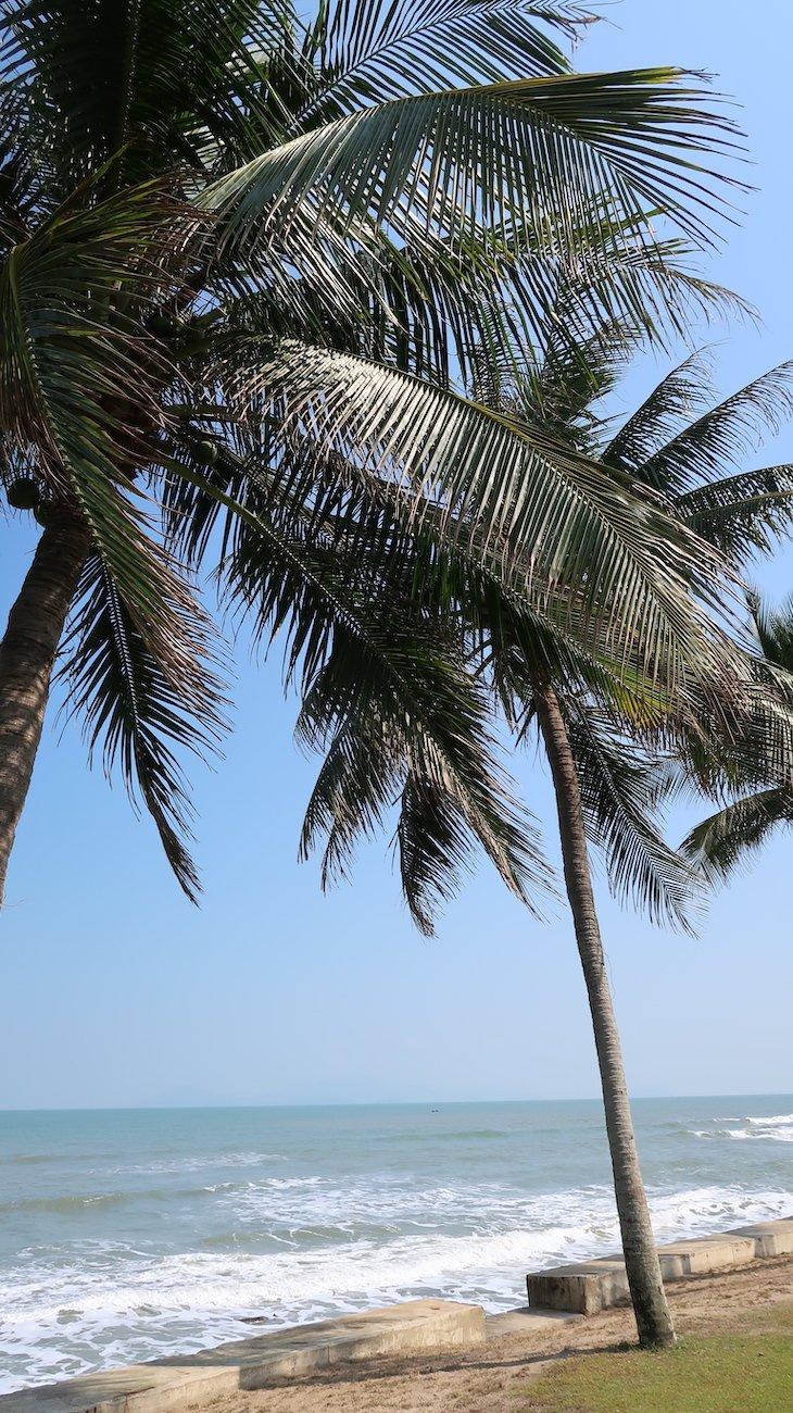 Praia do Palm Garden Beach Resort & Spa, Hoi An - Vietname © Viaje Comigo