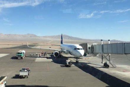 Avião Latam, aeroporto de Calama, Chile © Viaje Comigo