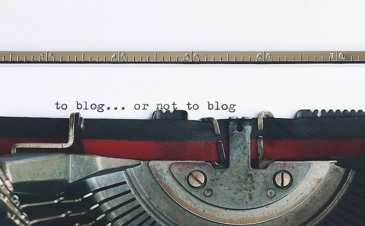 To blog or not to blog -©Suzy Hazelwood de Pexels - A Vintage Typewriter