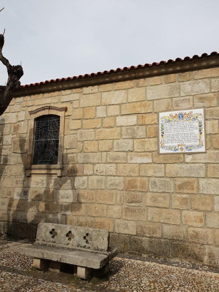 Igreja Matriz de Folgosinho - Portugal © Viaje Comigo