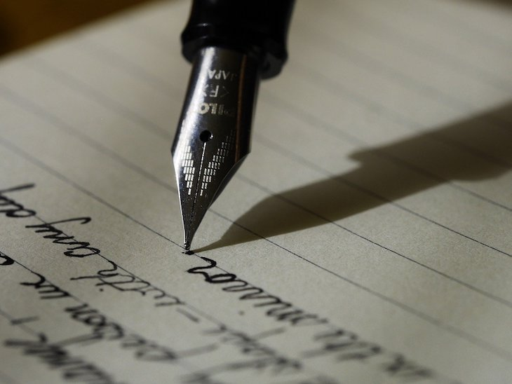 Escrever ©Free-Photos Pixabay