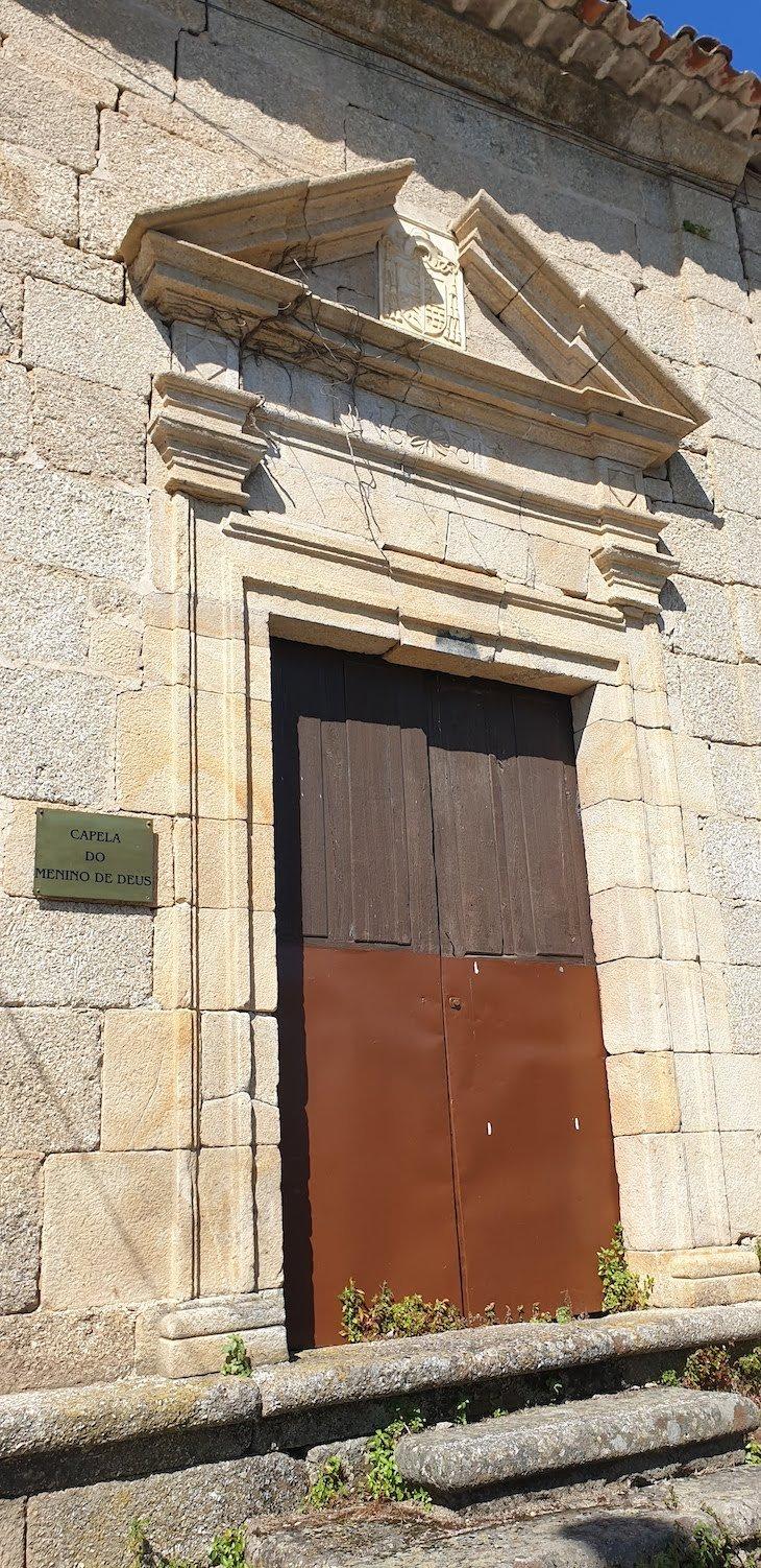 Capela do Menino de Deus - Vila de Alpedrinha - Fundão - Portugal © Viaje Comigo