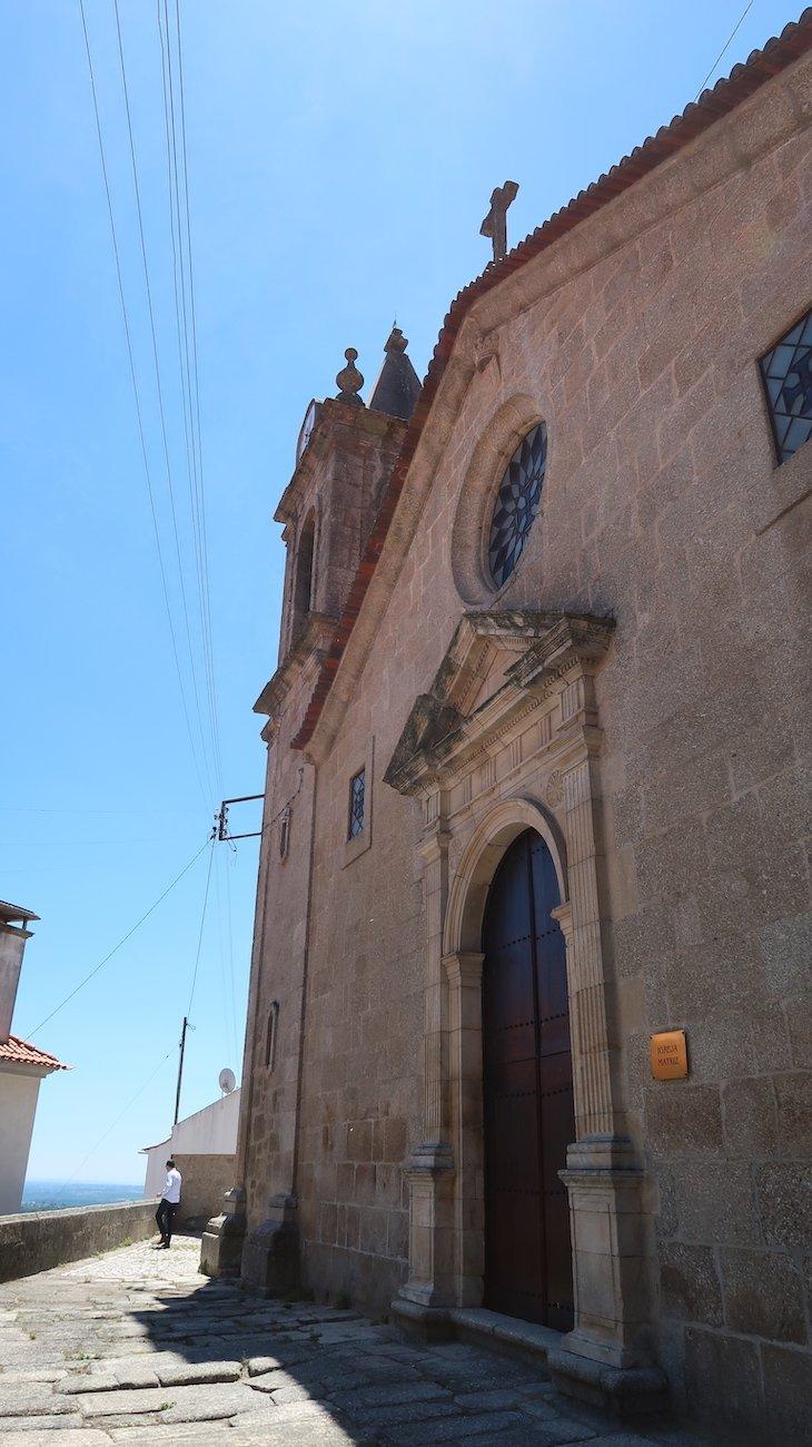 Entrada Igreja Matriz Vila de Alpedrinha - Fundao - Portugal © Viaje Comigo