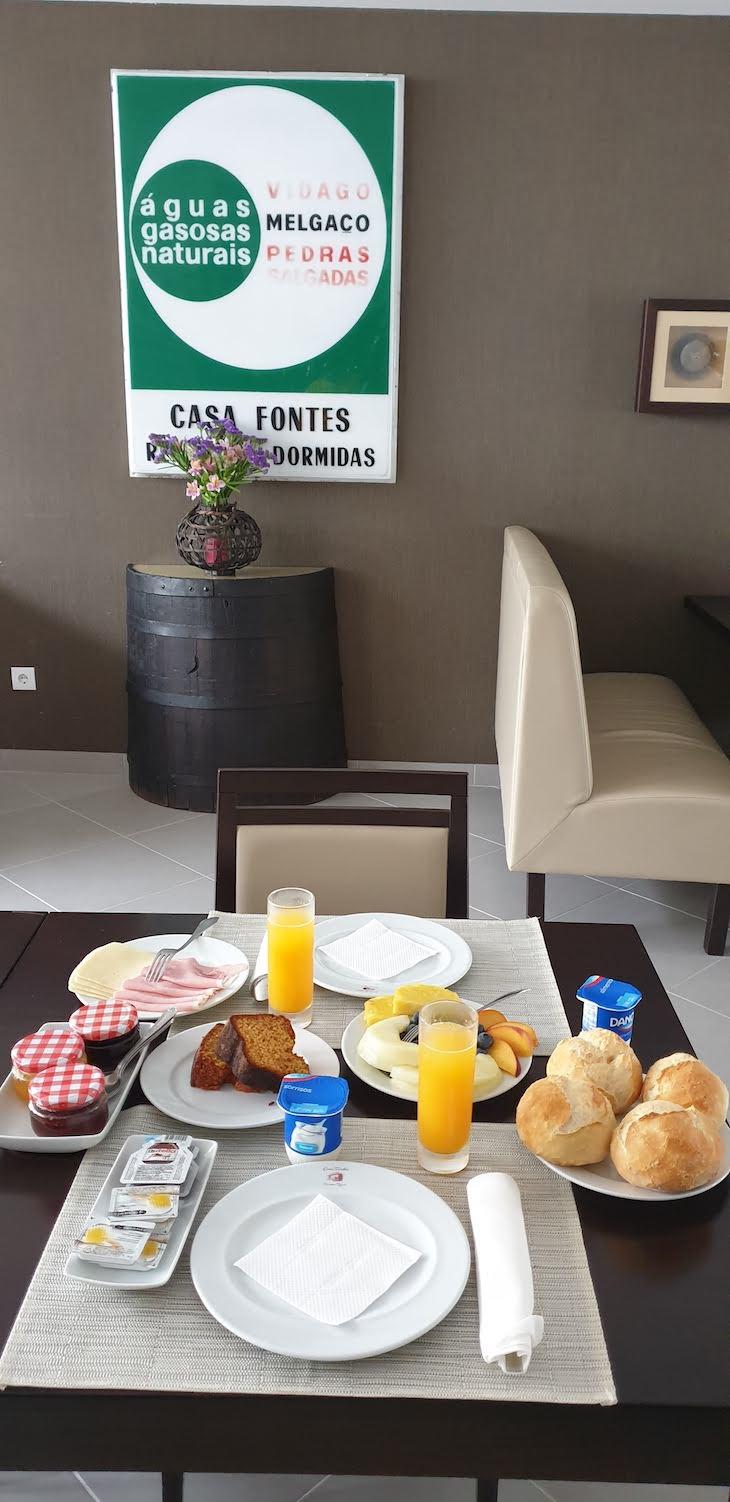 Pequeno-almoço na Casa Fontes - Pedras Salgadas - Vila Pouca de Aguiar - Portugal © Viaje Comigo