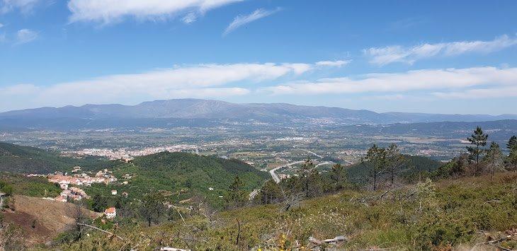 Vista para a Cova da Beira e Serra da Estrela-  Rotas da Serra da Gardunha © Viaje Comigo