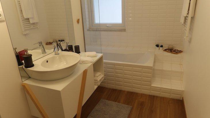 Banheira da minha suite nas Casas de Alpedrinha - Portugal © Viaje Comigo