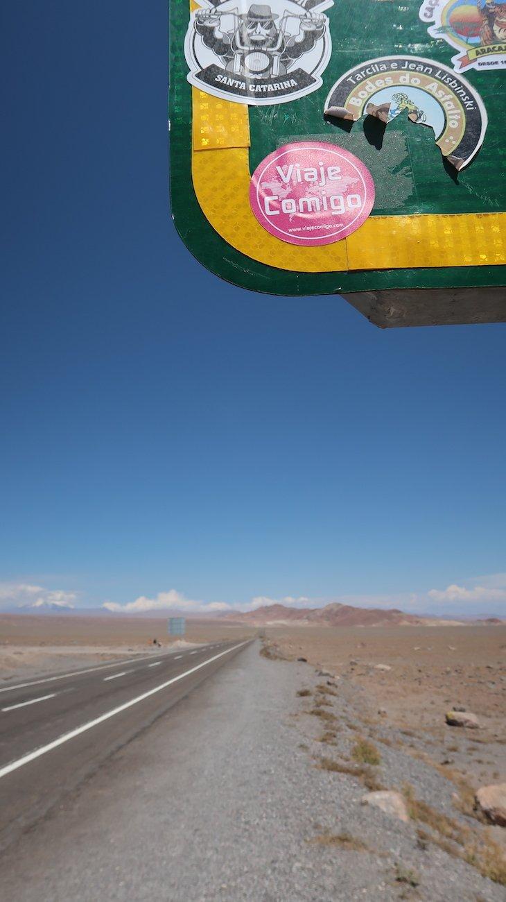 Trópico de Capricórnio - Tour Piedras Rojas e Lagunas Altiplânicas - Atacama - Chile © Viaje Comigo