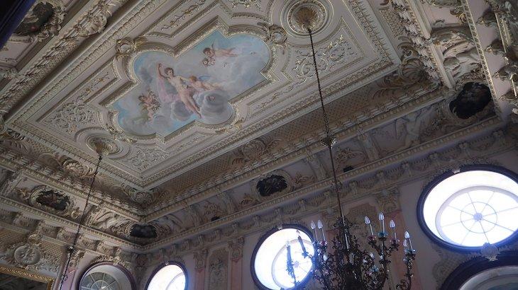 Tetos pintados na Pousada Palácio Estoi, Faro, Algarve © Viaje Comigo
