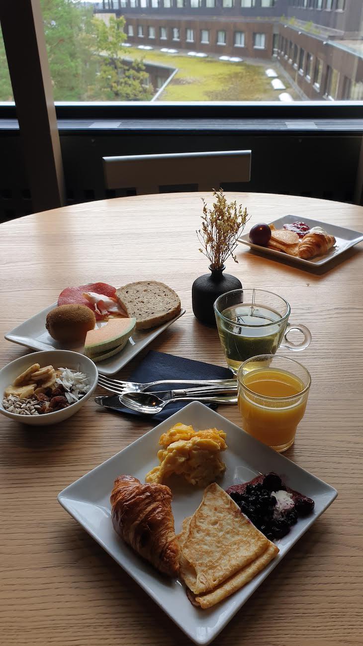 Pequeno-almoço no Hotel Yasuragi - Estocolmo - Suecia © Viaje Comigo